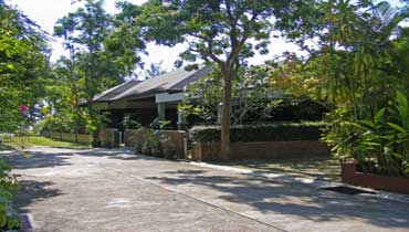 View of the luxurious villa near the beach in Lipa Noi