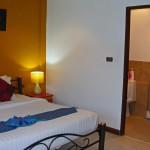 Bedroom 2 with en suite - Schlafzimmer 2 mit Bad